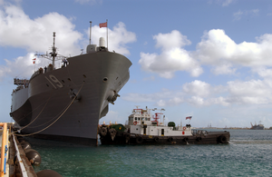 The Amphibious Command Ship Uss Blueridge (lcc19) Arrives Pierside During Tandem Thrust  03 Image