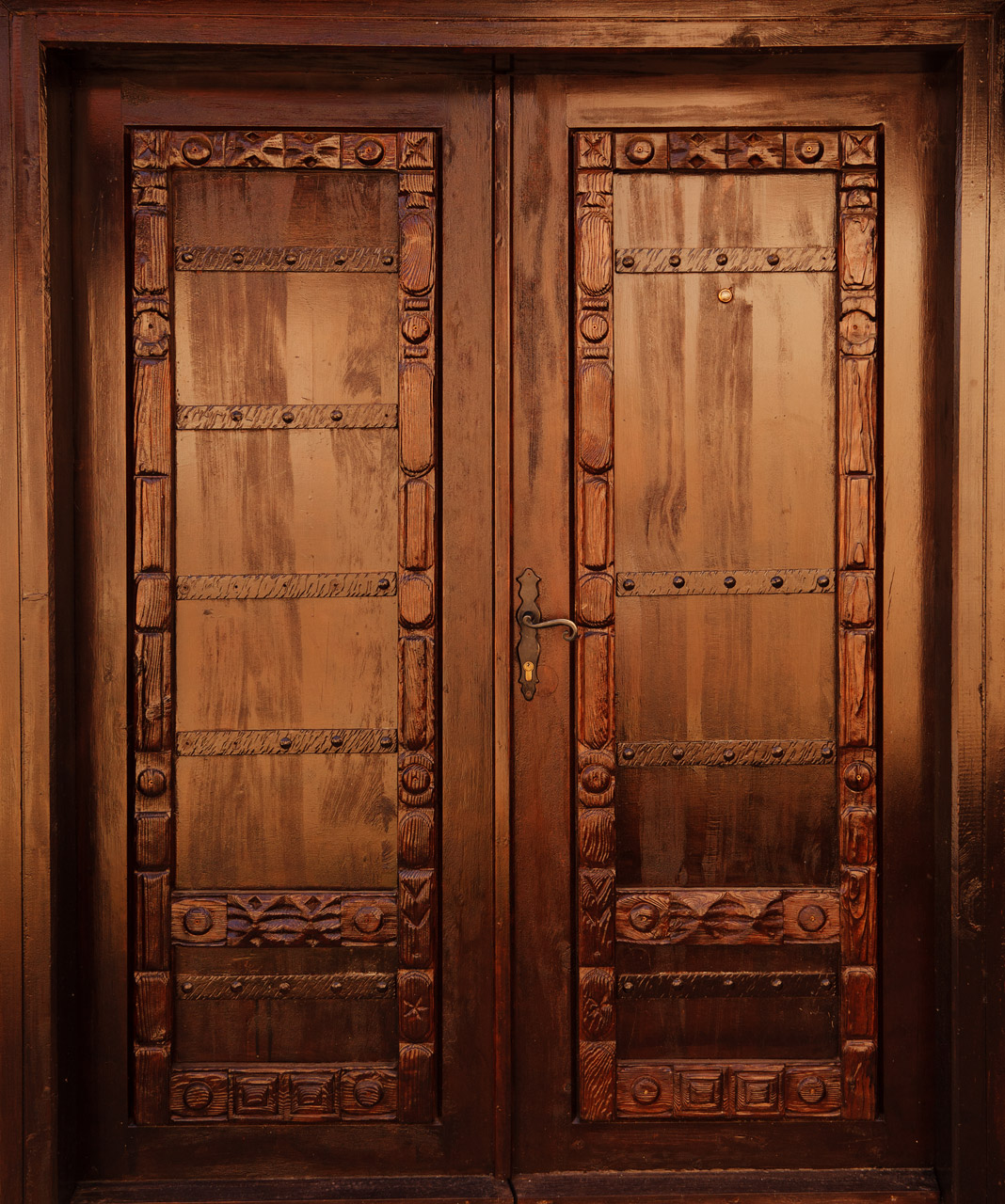 Carved wooden door free images at vector for Kail wood doors designs