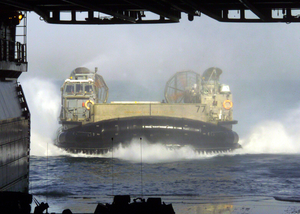 Lcac Returns To The Uss Kearsarge Lhd 3 Image