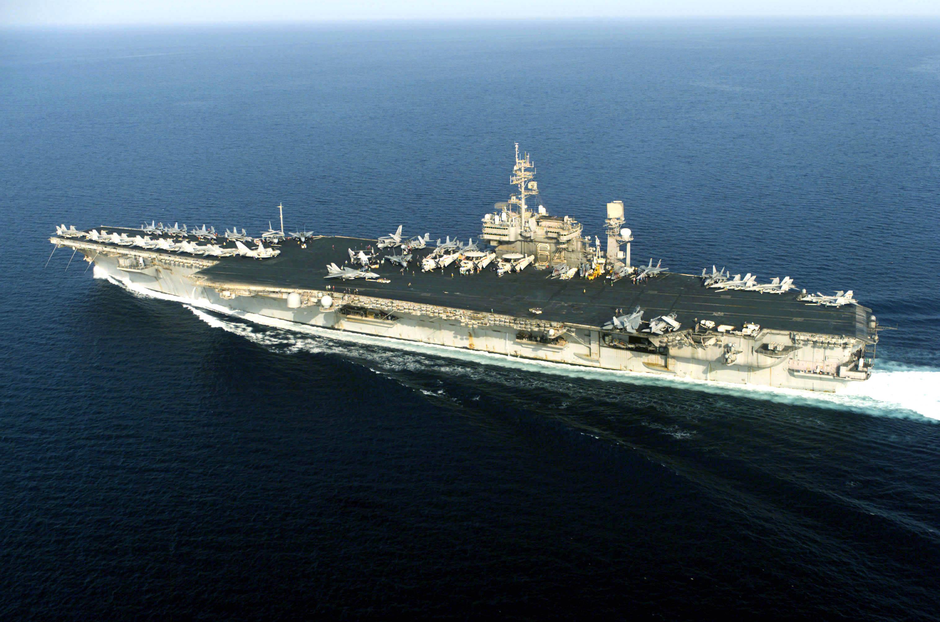 uss independence  cv-62  - forrestal class aircraft carrier w uss peterson  dd-969