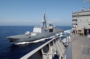 Uss Seattle - Unrep With French Frigate Image