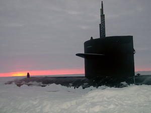 The Los Angeles-class Fast Attack Submarine Uss Honolulu (ssn 718) Sits Surfaced 280 Miles From The North Pole At Sunset. Image