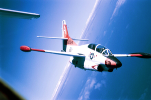 Lt. Allan Karlson, A Student Pilot Assigned To The  Tigers  Of Training Squadron Nine (vt-9), Flies In Formation In A T-2c Buckeye Over Key West, Fla. Image