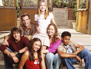 Instant Mom Cast Image