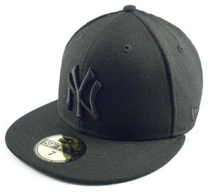 New Era Cap New York Yankees Black On Black Image