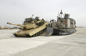 A Landing Craft Air Cushion (lcac) From The Uss Tarawa (lha 1) Amphibious Ready Group (arg) Offloads An M1-a1 Abrams Tank Image