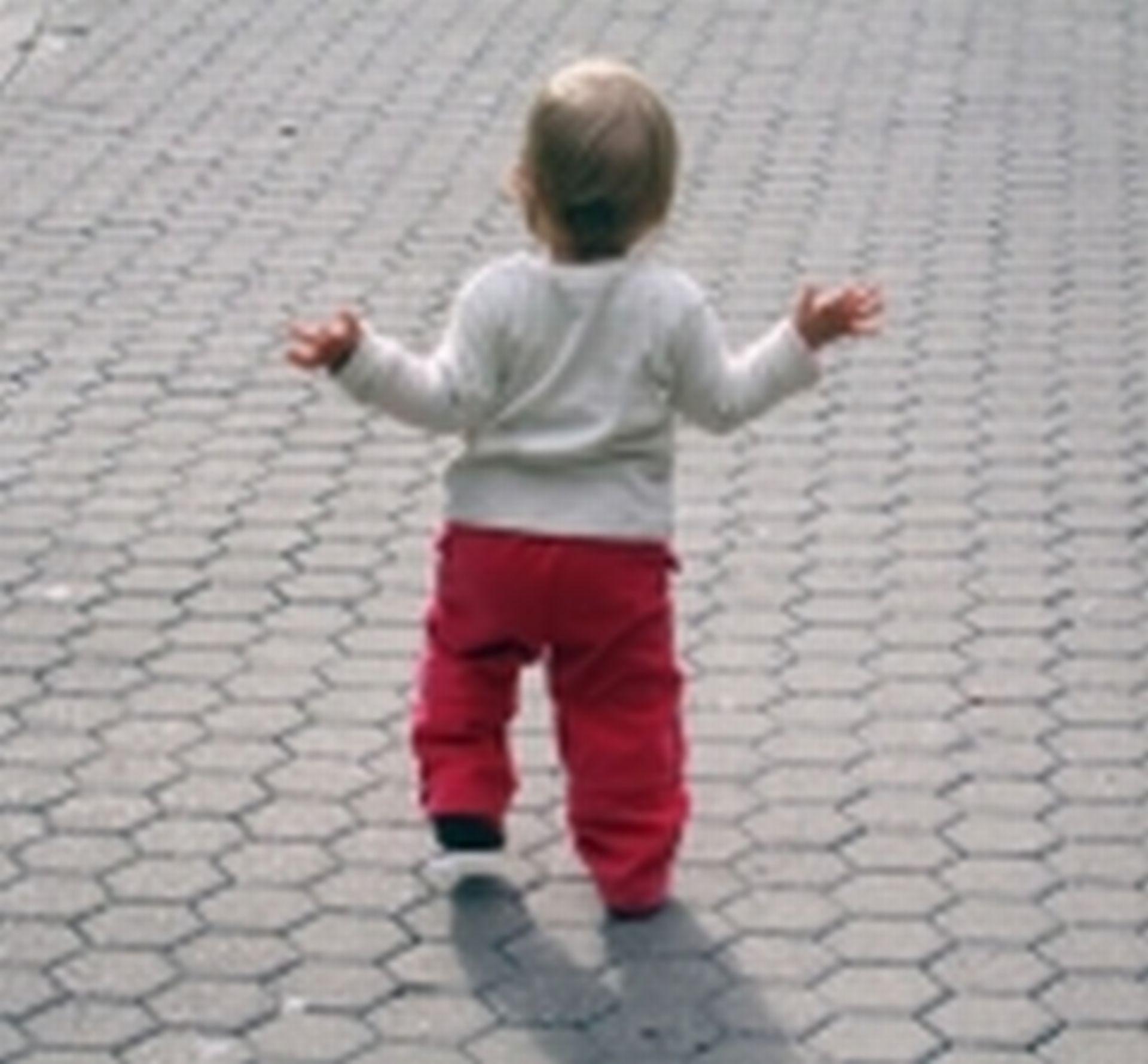 child walking away -#main