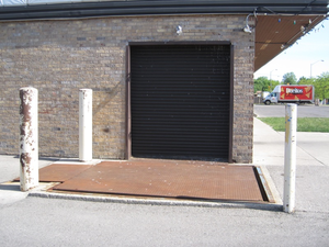 Ground Level Bay Door Image