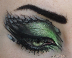 Snake Scales Makeup Image